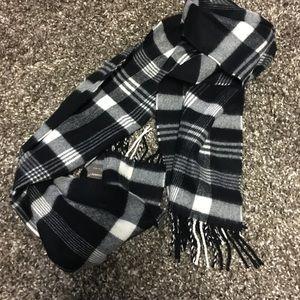 Black and white plaid super soft scarf